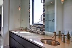 burt-boys-bathroom