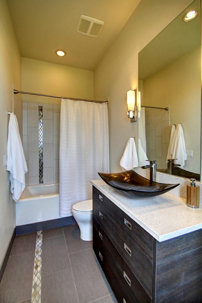 burt-guest-suite-bath